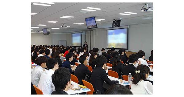 電通・博報堂・ADKが登壇したインターンシップ説明会に学生160人集まる