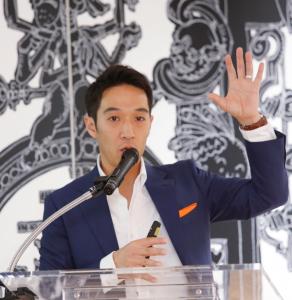 CRITEOの日本担当マネージングディレクター  鈴木 大海 氏。メーカーのブランドマーケターも、コンバージョンを重視せざるを得ない環境変化についても言及した。