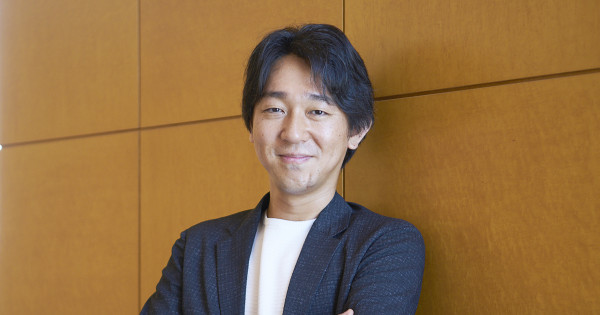 お笑い芸人、新聞記者、そして小説家・塩田武士に。