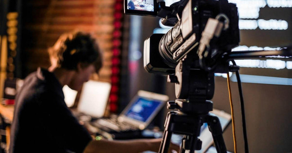 転換期を迎える、日本のメディアビジネスを考察する — ①テレビ篇
