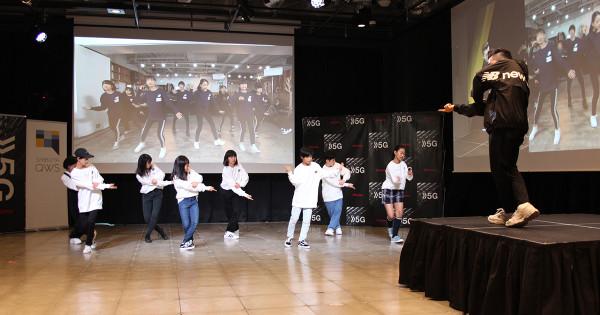 ドコモ、渋谷と広島を5G接続 中学生に遠隔ダンスレッスン