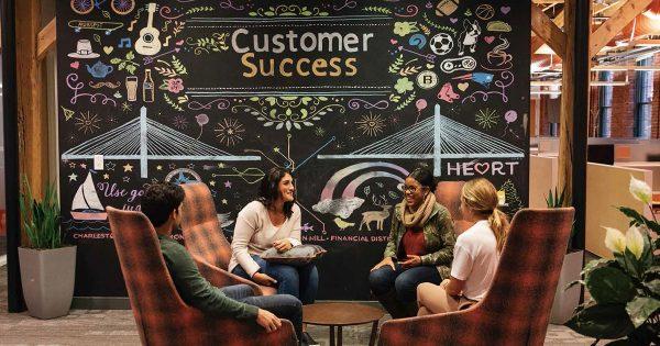 顧客から価値を受け取る前にまずは売り手が価値を提供 HubSpot流「インバウンド」の思想とは?