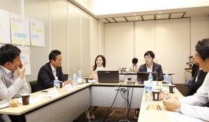 「自社にとってのマーケティングとは何か?から考える日本型CMO像の理想像」をテーマにした研究会の様子。各社によるマーケティングケースの発表、現状の課題やそれに対する取り組みなどの発表に基づき、約2時間半にわたるディスカッションを行った。