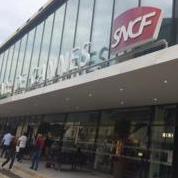 フェスティバル開催会場は、カンヌ駅から徒歩5分ほどの距離に。