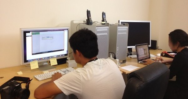 デジタルネイティブ世代の高校生インターン、オフィスに登場! さて、初日、何がおきたか?